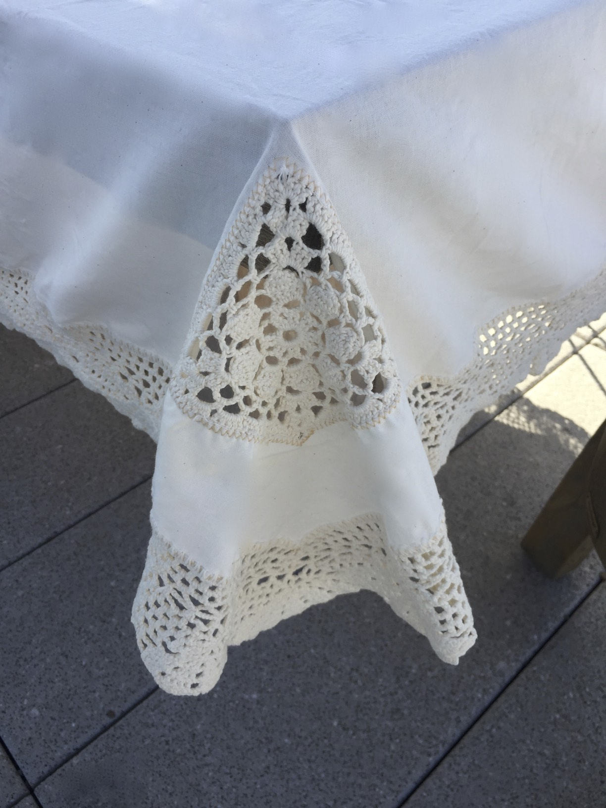 crochet-table-cloth-058e.jpg
